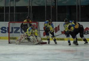 dameneishockey-salzburg-eagles-highlander-15-01-17-klein