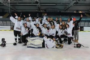 Dameneishockey-EaglesII-Jubel
