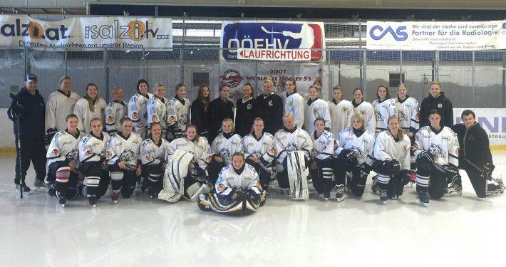 Gemischtes Teamfoto der Kooperation der Damen-Eishockey-Clubs DEC Salzburg Eagles und DHC IceCats Linz.